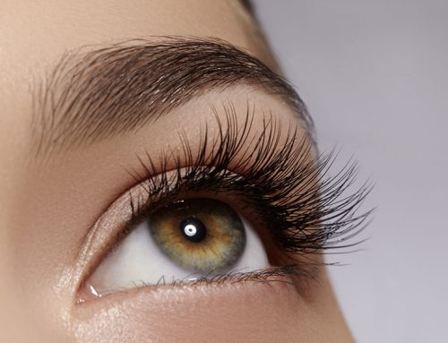 How to Remove Your Eyelash Extensions From Home